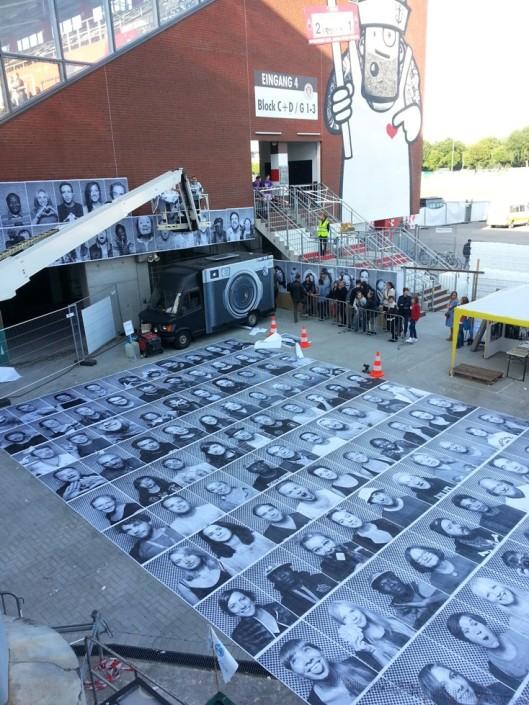 """Fotoaktion """"INSIDE OUT"""" vom Künstler """"JR"""" http://www.jr-art.net/"""
