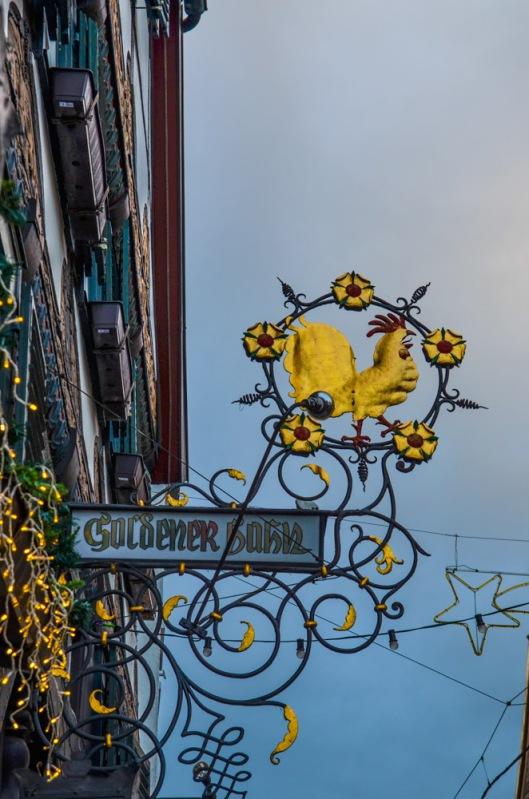 Goldener Hahn: erbaut 1566
