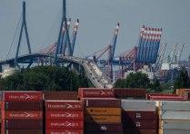 Ausblick auf die Köhlbrandbrücke vom Energiebunker Wilhelmsburg