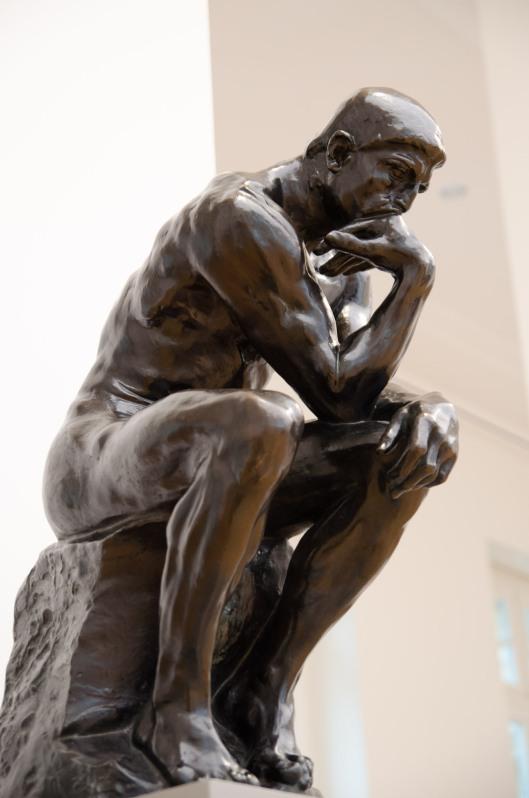 Der Denker von Rodin ist definitiv einer meiner Lieblingsskulpturen. Ich schaue sie mir immer wieder gern an.