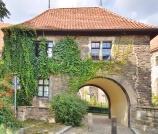 Torhaus am Remtergang ist Teil der ehemaligen Befestigungsanlage. Am Remtergang entdeckt man zudem eines der ältesten erhaltenen Wohnhäuser. Der Weg führt direkt zur Elbe.
